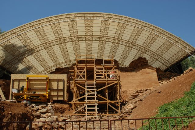 Restoring the Middle Bronze Age gate at Tel Dan